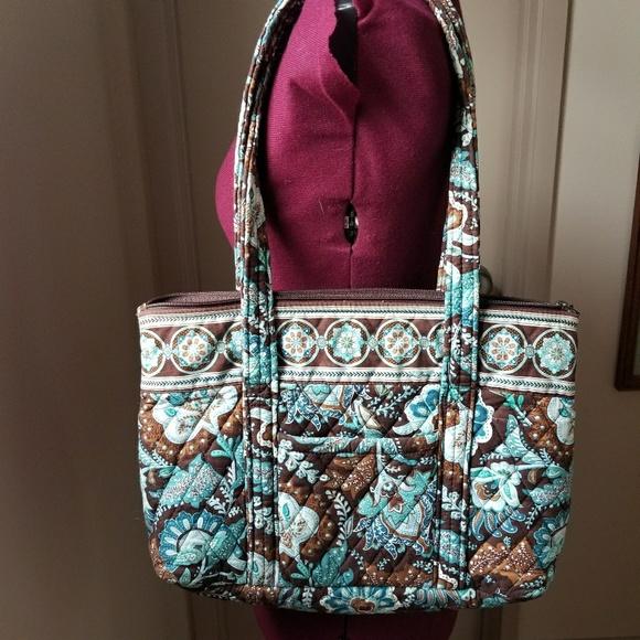 Vera Bradley Java Blue Betsy Shoulder Bag Purse. M 5a84b7cb8af1c5a6f8b9a790 0b5802640b